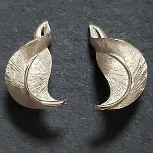 Trifari Vintage Silver Leaf Clip On Earrings